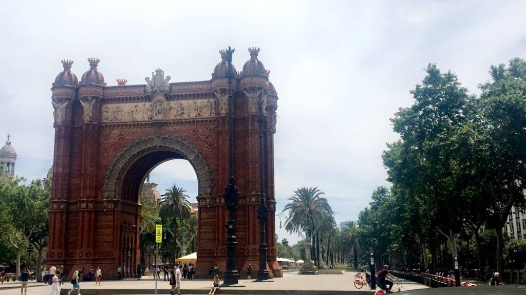 Ultimate Guide to Barcelona - Arc de Triomf