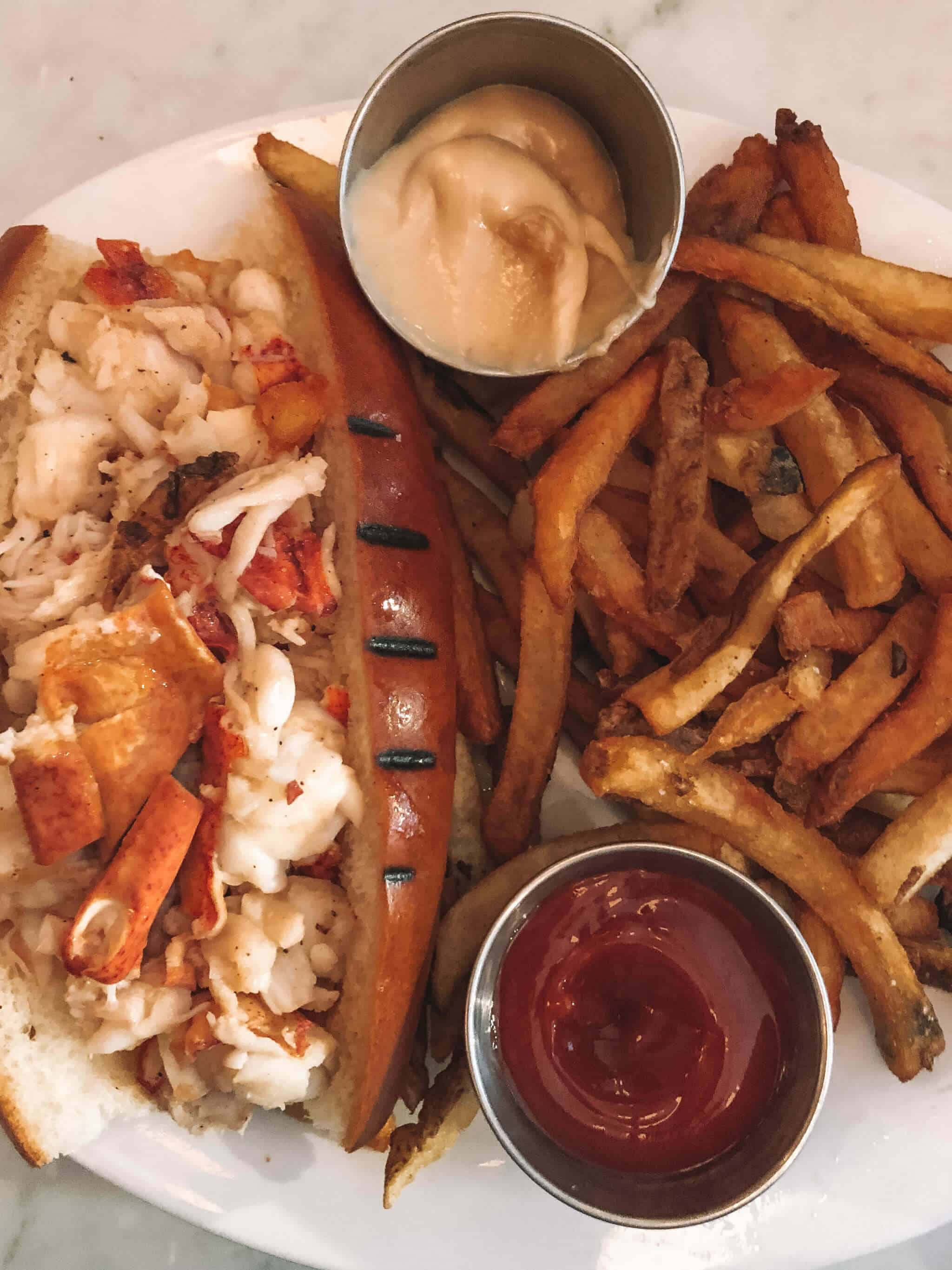 Top 10 Things to do in Boston - Gorge on Lobster Rolls
