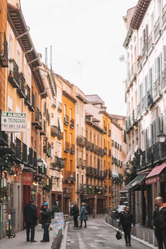 alleyway in madrid